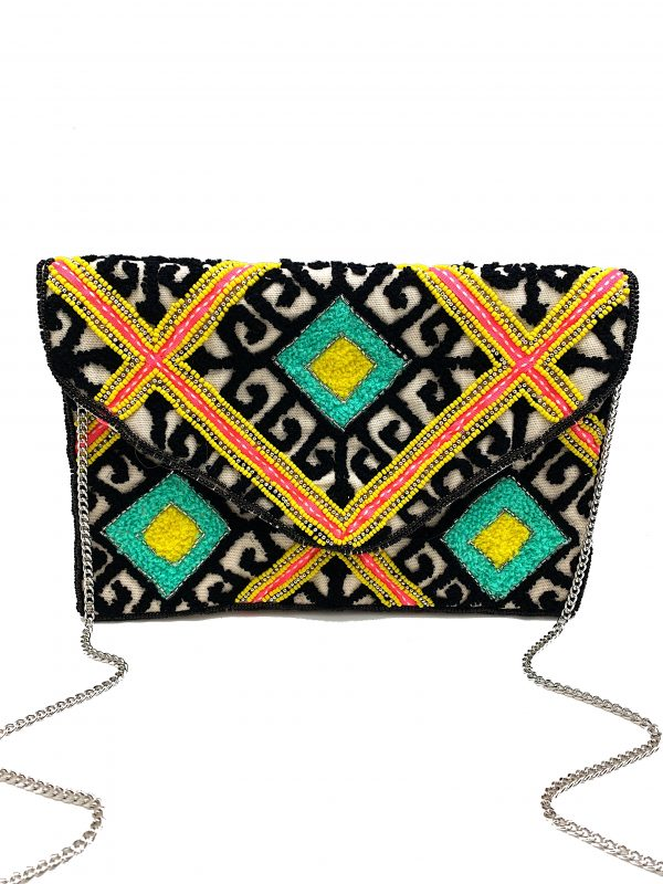 EMBROIDERED BAROQUE PATTERN ENVELOPE CLUTCH